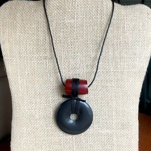 Black onyx pendant & leather necklace